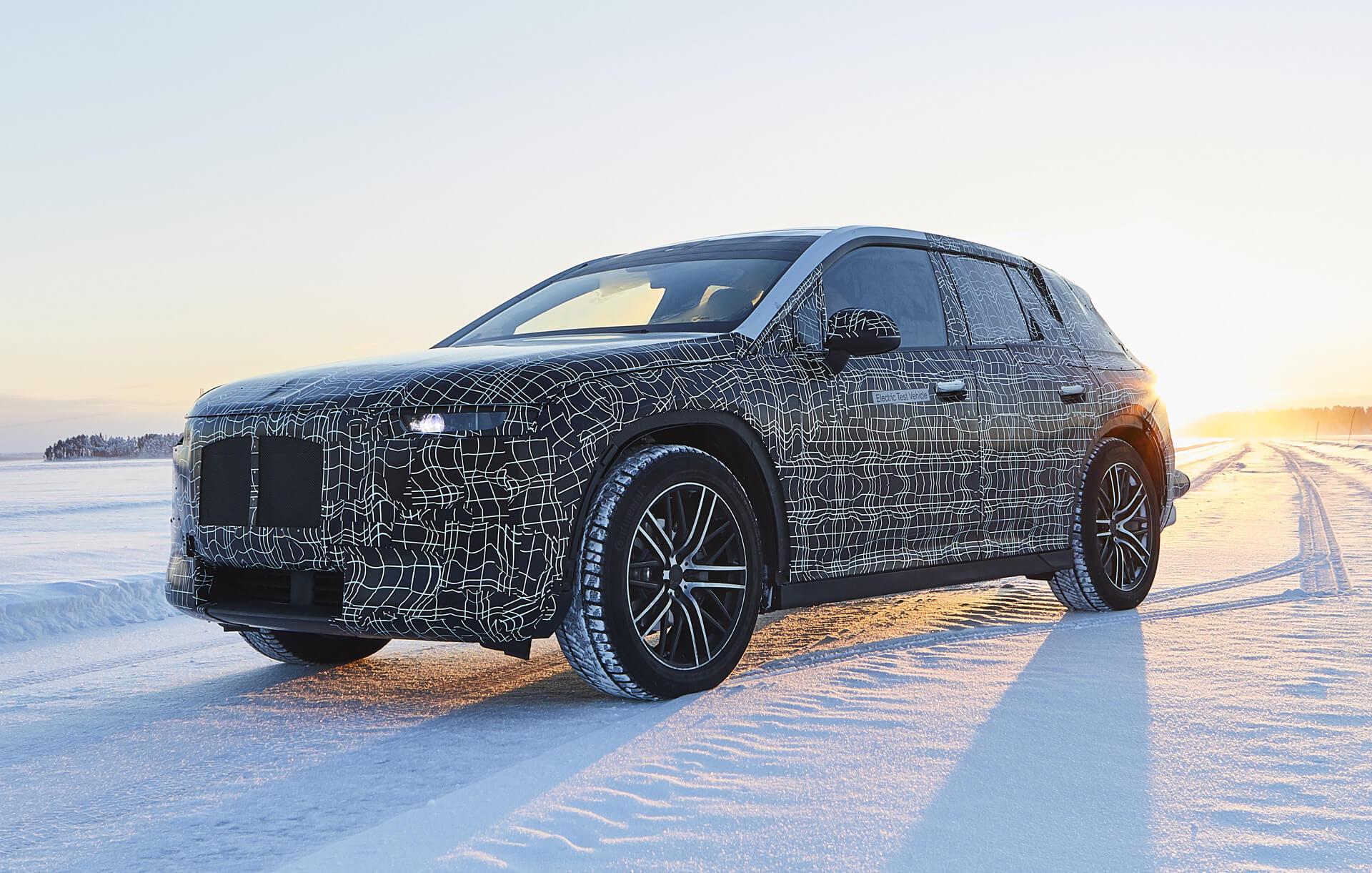 Прототип электрического внедорожника BMW iNext ожидаемый в 2021 году